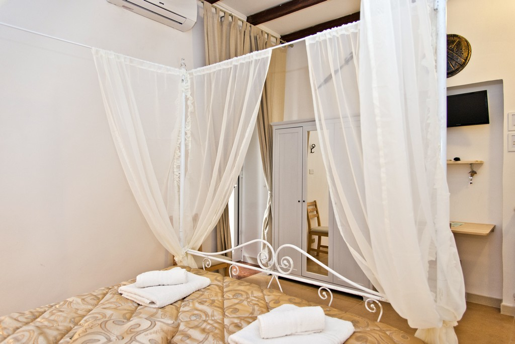 Le camere   b&b sparta   bed and breakfast a taranto